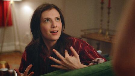 觀賞兩對情侶約會。第 1 季第 5 集。